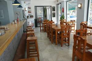 2- Cafetería-Restaurante