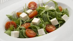 ensaladade rucula y queso