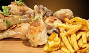 pollo al ajillo con patatas Hostal Puerto Beach